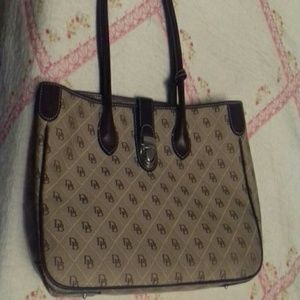 Đooney and Bourke NWOT Purse
